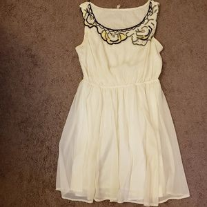 Willow & Clay white dress with beading Sz L